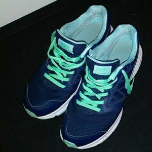 Nike Women's Downshifter 6 Size 9.5